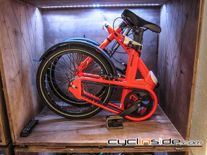 Btwin Decathlon Bici Pieghevole.Cyclinside Com B Twin Punta Alla Citta Tilt E Bici E Abbigliamento